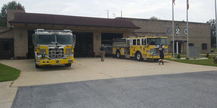 Bay District Volunteer Fire Department 2010 Pierce Arrow XT Pumper Tanker 93 and Huntingtown Volunteer...