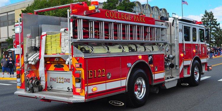 College Park Volunteer Fire Department Engine 122