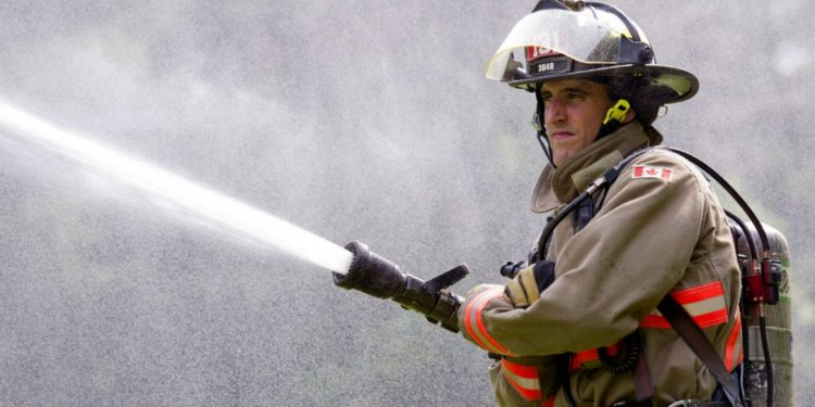 How to become a Toronto Firefighter?