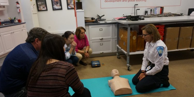Become a Volunteer EMT
